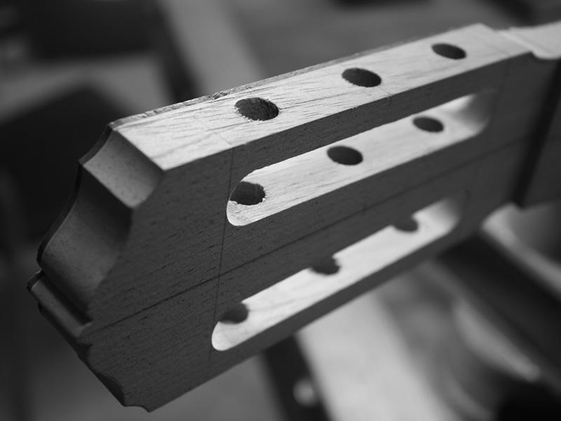 Manico e paletta chitarra classica in costruzione