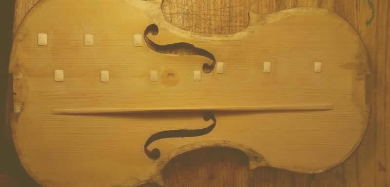 Stringed instruments restoration luthier Umbria