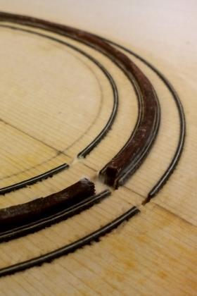Costruzione chitarra folk